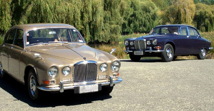 Daimler Sovereign i forgrunnen.